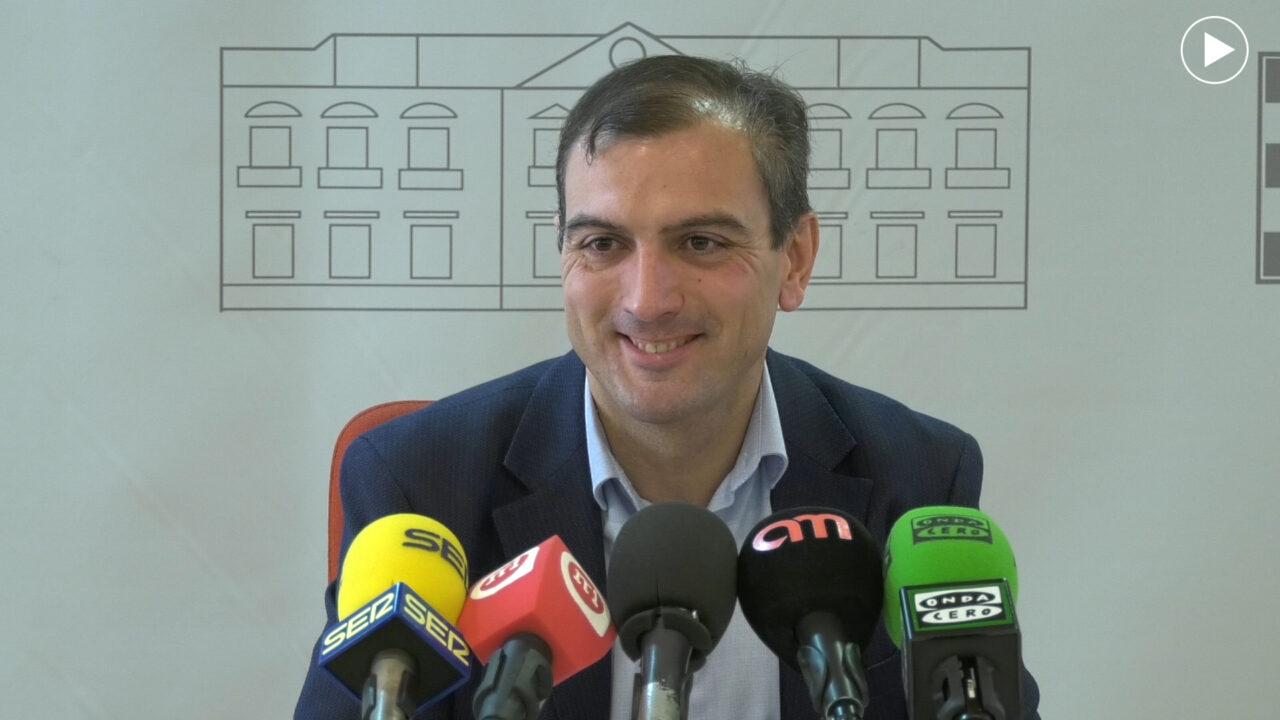 Ángel Rubén Arias presenta su dimisión como concejal del Ayuntamiento alcazareño