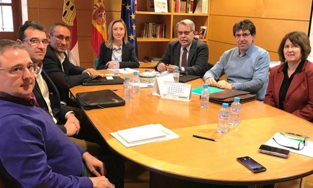 El Gobierno regional y Cooperativas Agro-alimentarias exploran posibilidades de colaboración en programas europeosecialistas