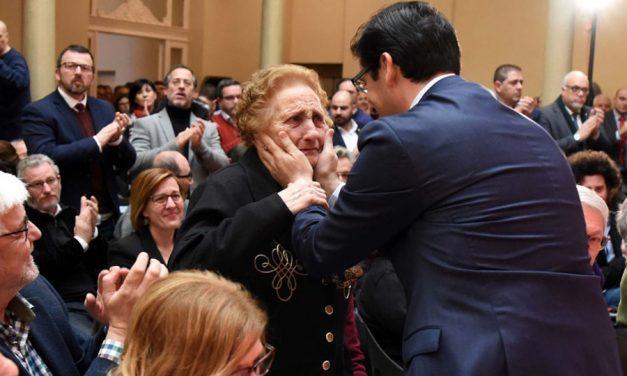 La Diputación homenajea a los familiares de las víctimas del régimen franquista