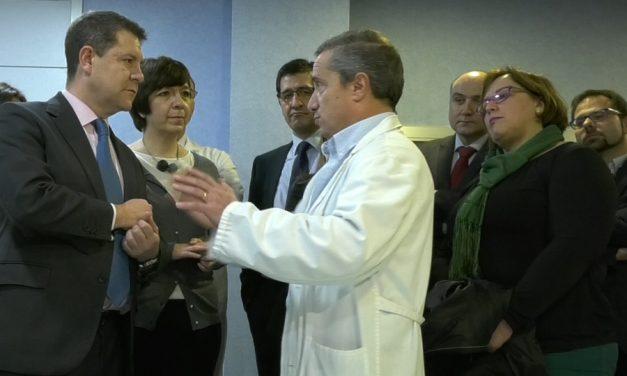 El Gobierno regional visita el Hospital General La Mancha Centro para ver el nuevo equipamiento TAC