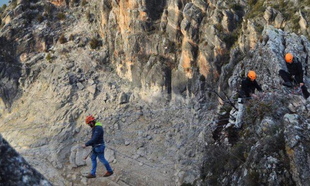 Nuevo impulso al turismo activo en Guadalajara con la apertura de la Vía Ferrata 'Boca del Infierno'