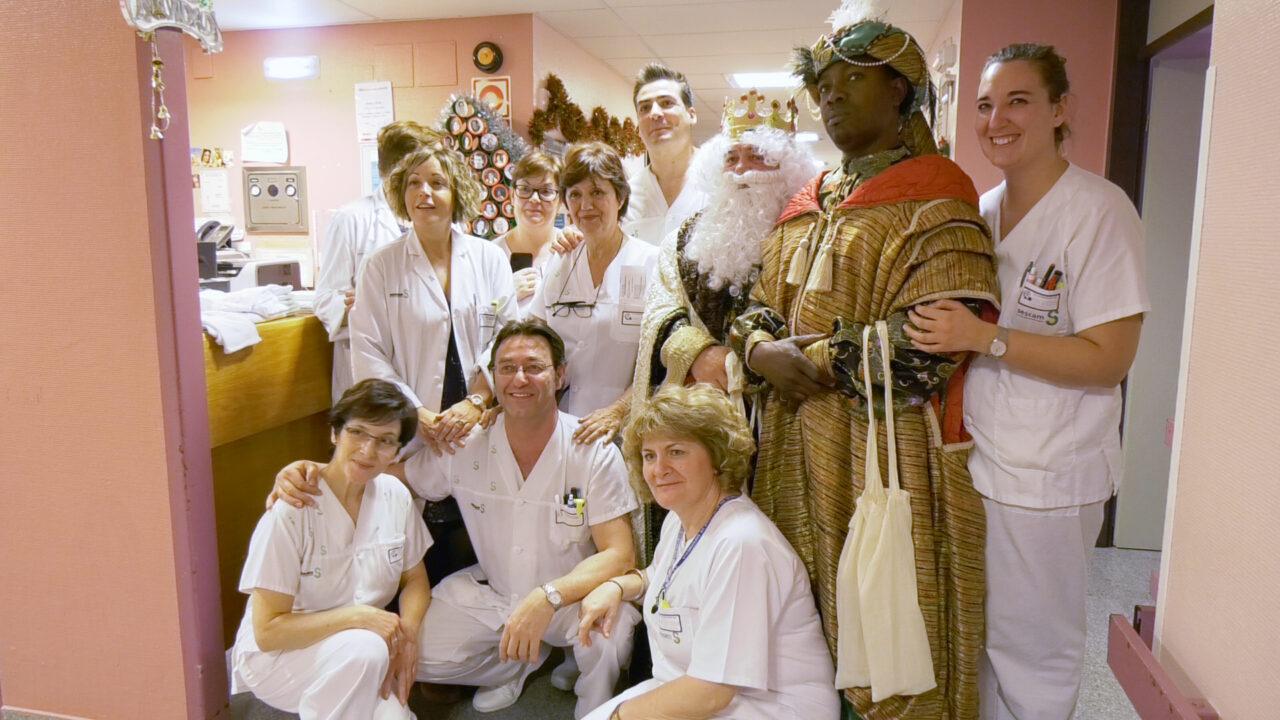 Los Reyes Magos visitan a nuestros mayores y a los pequeños hospitalizados en un día muy especial