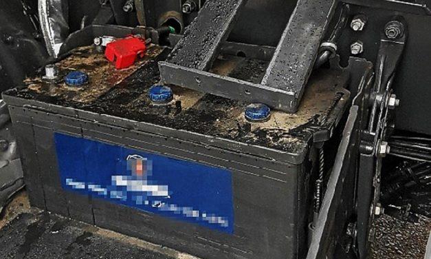 Un individuo es sorprendido intentando robar una batería de camión en la Avda. Adolfo Suarez de Alcázar
