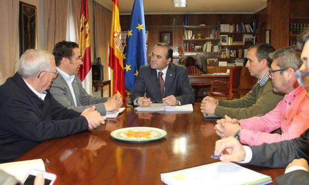 El delegado del Gobierno asegura que la caza genera más de 600 millones de euros y 24.000 empleos en la región