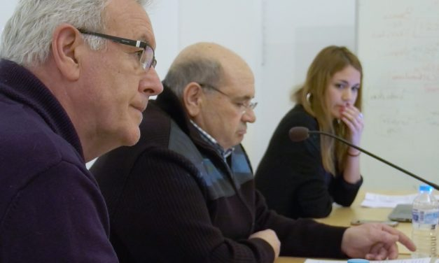 Cayo Lara defiende el sistema público en la charla 'Presente y futuro de las pensiones'