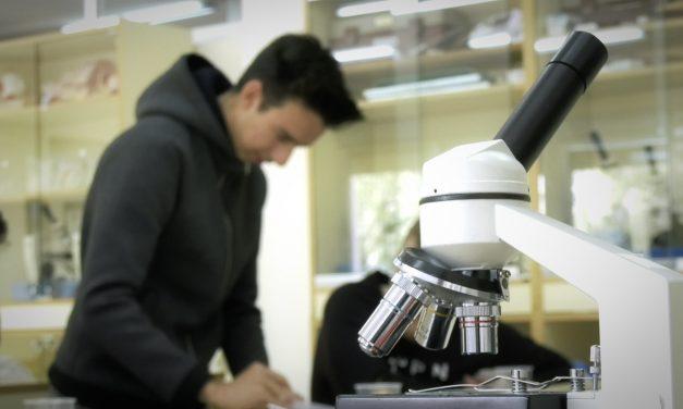 Las habilidades prácticas adquiridas  en el laboratorio son imprescindibles para la formación de los alumnos del IES María Zambrano