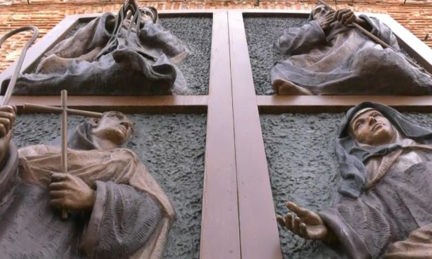 Inaugurada la Puerta del Encuentro con motivo del 450 aniversario de la presencia carmelitana en Malagón