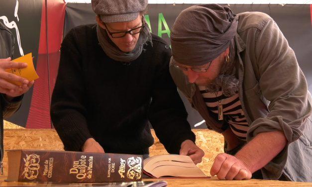 El grupo de teatro finlandés 'Red Nose Company' visita Alcázar para documentarse sobre Cervantes y el Quijote