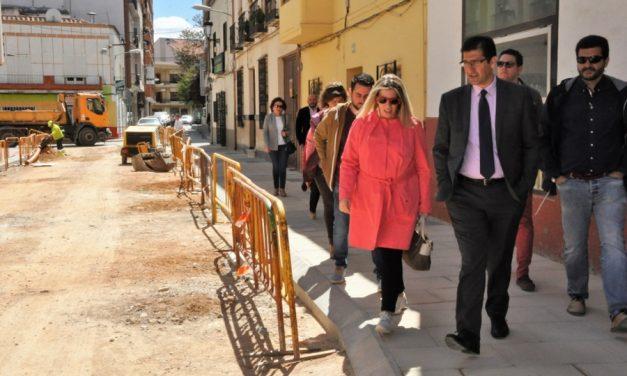 Caballero anuncia el arreglo del tramo urbano de la carretera de Ossa de Montiel por valor de 220.000 euros