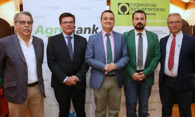 El Gobierno regional agradece a Cooperativas Agroalimentarias su compromiso en defensa del agua para garantizar el relevo generacional