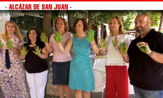 Manos verdes para dar visibilidad a los afectados en el Día Internacional de la ELA
