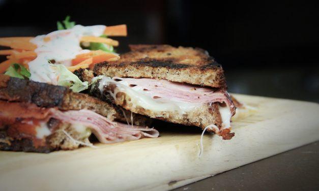Disfruta de una combinación rápida y sencilla: Sandwich a la plancha
