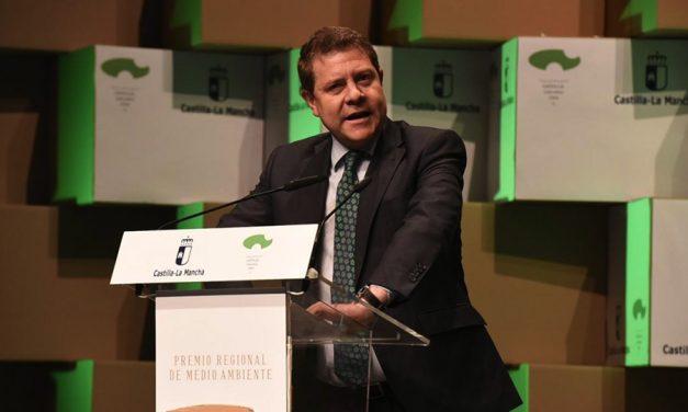 """García-Page confía en que el nuevo Gobierno ponga """"punto y final"""" al cementerio nuclear y apoye sus reivindicaciones sobre agua y 'fracking'"""
