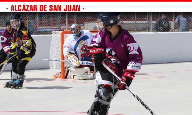 Discos y sticks toman el  Polideportivo municipal en la inauguración de la pista de hockey