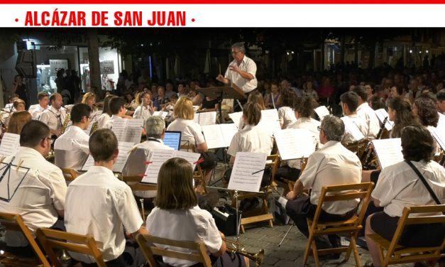 La Asociación Banda de Música de Alcázar inaugura los Escenarios de Verano 2018