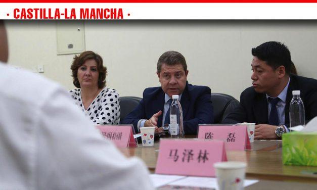 """El presidente García-Page califica de """"muy favorable"""" la misión promocional castellano-manchega girada a Sichuan durante esta semana"""