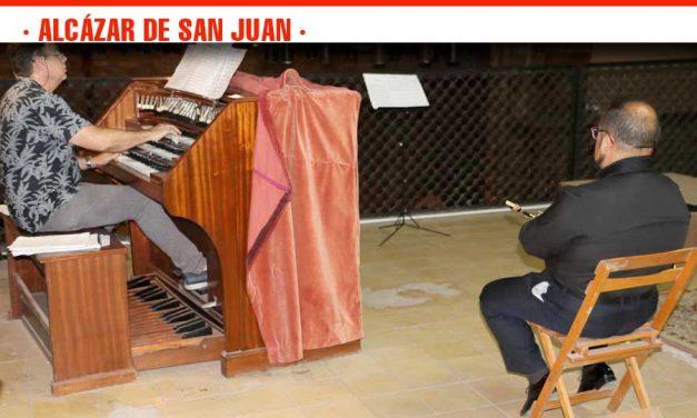 El Dúo Remembranzas acerca la música clásica al público de los Escenarios de Verano de Alcázar