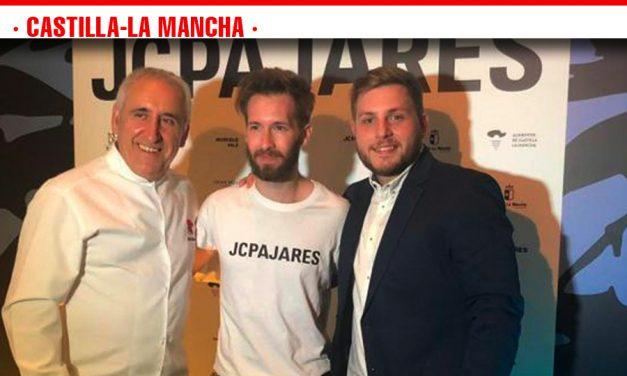 Los diseñadores castellano-manchegos que participan en la Mercedes-Benz Fashion Week de Madrid reciben el apoyo del gobierno regional.