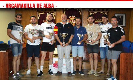 Cesar Luis Moya, Jesús Hilario y Sigfrido Porras ganan la II Liga de Pádel de Argamasilla de Alba