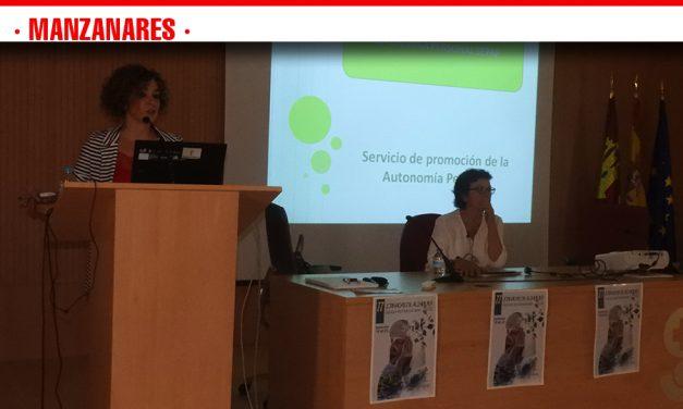Las II Jornadas de Alzheimer promueven el trabajo pionero que se realiza desde Manzanares