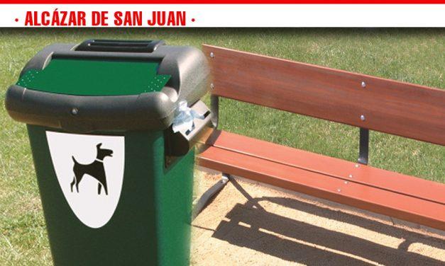 La ciudadanía de Alcázar apuesta por la instalación de papeleras caninas y la reposición de bancos en la ciudad
