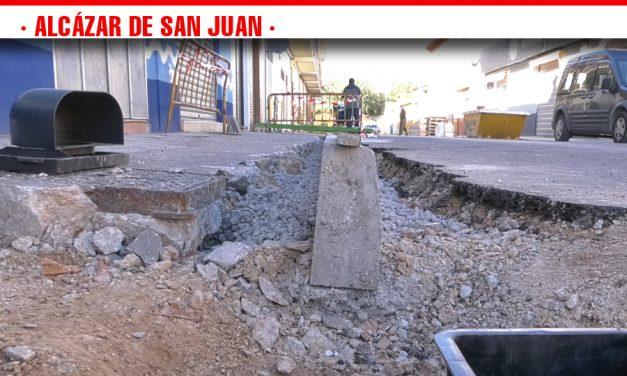 El Ayuntamiento alcazareño invierte 200.000 euros en el II Plan de Acerado que afecta 1.000 metros cuadrados de la localidad