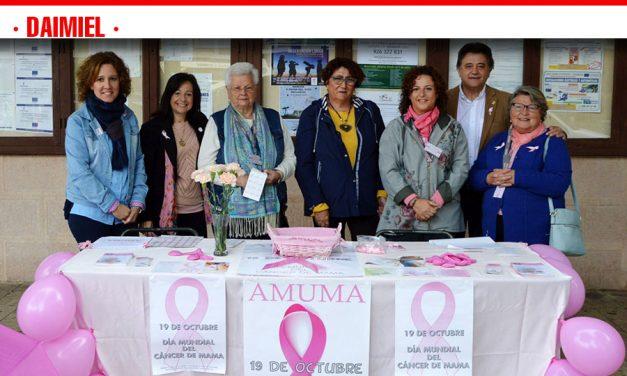 AMUMA conmemora el Día Internacional del Cáncer de mama en Daimiel