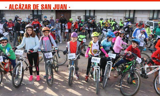 La IV Ruta Ciclista del Cine Solidario recauda más de 1.000 euros para los proyectos de Cooperación al Desarrollo