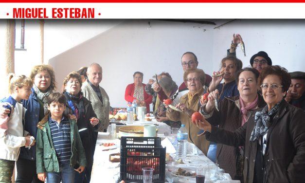 Buen ambiente y mucha tradición gastronómica, balance de la Fiesta de la Vendimia en Miguel Esteban