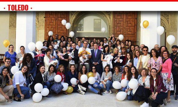 La Semana de la Lactancia Materna congrega a cerca de un centenar de madres y profesionales sanitarios del Área de Salud de Atención Primaria de Toledo