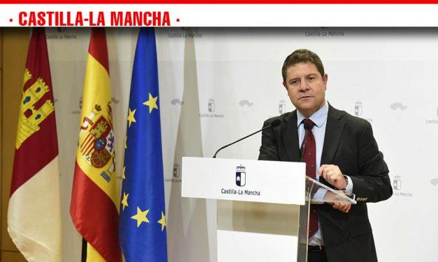 García-Page anuncia un plan para mejorar el éxito educativo que beneficiará a 87.000 alumnos y permitirá contratar a 1.050 docentes