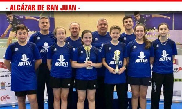 Marta Ortega y Pablo Bobo campeones alevines en el Zonal de Collado Mediano