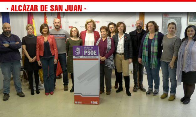 Amparo Bremard hace efectiva la donación de la indemnización obtenida por sentencia judicial a las Asociaciones Opañel y María de Padilla que trabajan con mujeres maltratadas