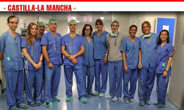 Cirujanos de toda España se forman en el Hospital de Toledo en una técnica quirúrgica novedosa de extracción de cálculos biliares