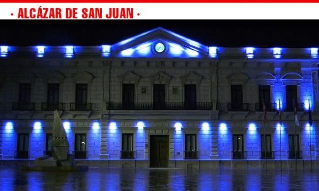Alcázar de San Juan embellece la fachada del Ayuntamiento con una nueva iluminación artística