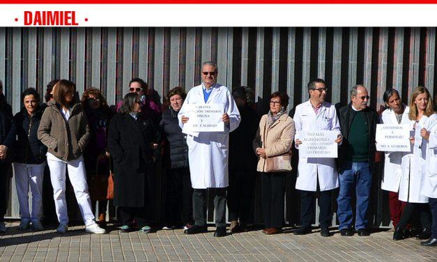 """Los médicos de Atención Primaria protestan por """"las malas condiciones"""" que sufren en su trabajo"""