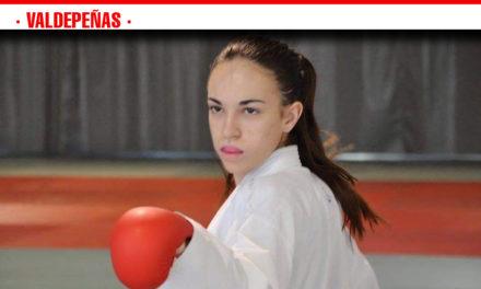 La valdepeñera Nidia García impone su ley y vence en el Campeonato de Karate Nisseishi