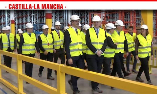 García Page visita en Illescas la nueva planta de Amazon  que supondrá la creación de más de 900 nuevos puestos de trabajo