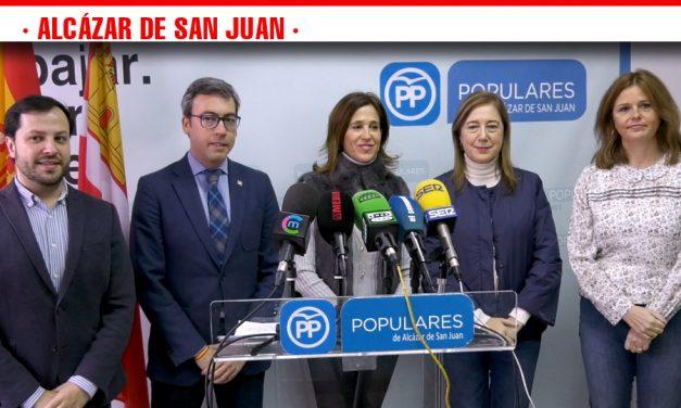 Visita de la Diputada del Partido Popular a Alcázar de San Juan para conocer las propuestas de los vecinos que se incorporarán al proyecto electoral