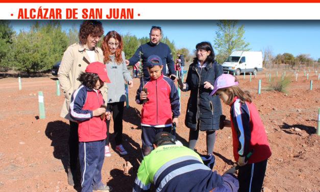 El anillo verde de Alcázar se amplía con la participación de 624 escolares de cinco Centros Educativos de la ciudad