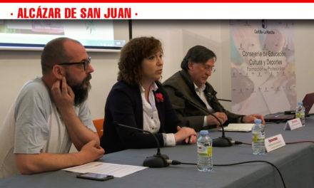 Casi un centenar de profesionales y aficionados asisten a las Jornadas de Educación Ambiental en Alcázar de San Juan