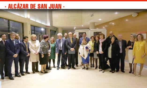El alcazareño de adopción Daniel Jesús García Riol llena de pasión el Auditorio de Alcázar con el pregón de Semana Santa 2019