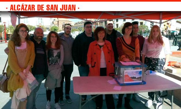 Juventudes Socialistas sale a la calle a recoger las propuestas de mejora de los vecinos de Alcázar de San Juan