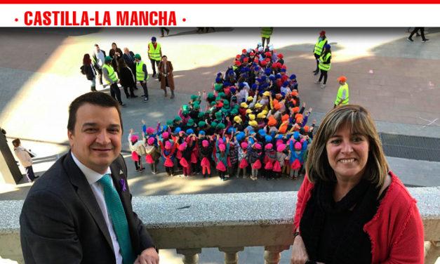 Martínez Arroyo presenta la pirámide infantil de la Dieta Mediterránea adaptada a las necesidades alimentarias de los niños