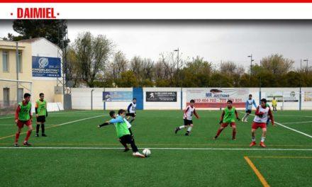 Lucas Soria, Saúl Martínez y Raúl Atanasio, en la selección provincial alevín de fútbol