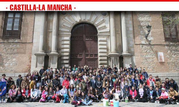 Cerca de 500 escolares y docentes han participado hoy en Toledo en una jornada donde han llevado sus actuaciones de música, danza y arte por las calles y plazas de la ciudad