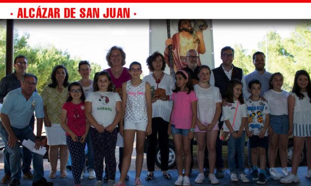 Más de 400 niños en el octavo concurso de redacción de Educación Vial 'El Tráfico Desde el Ojo Escolar' organizado por la Hermandad de San Cristóbal