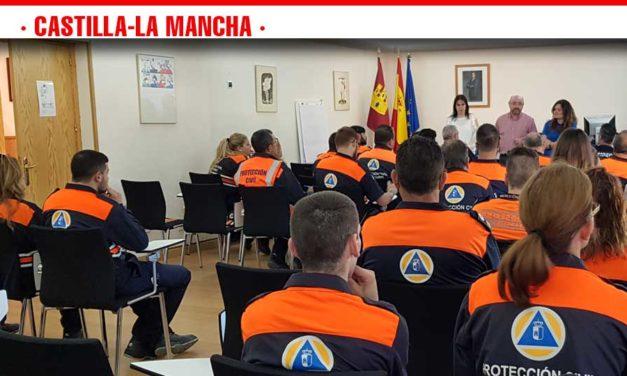 Una veintena de voluntarios de Protección Civil de la región reciben formación en intervenciones con personas con discapacidad
