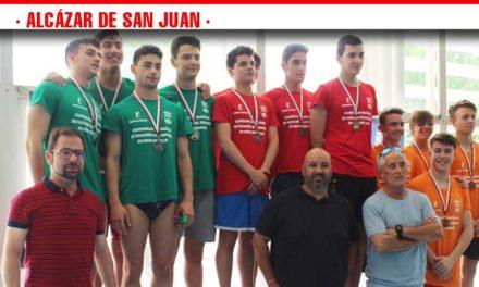Los mejores nadadores y nadadoras de la región en edad escolar se dieron cita en Alcázar de San Juan