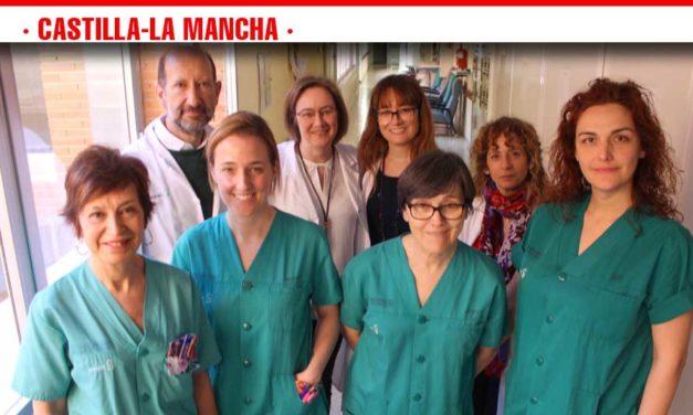 Profesionales de Enfermería de la UCI del Hospital de Toledo, premiadas por un trabajo sobre la canalización de catéteres venosos centrales